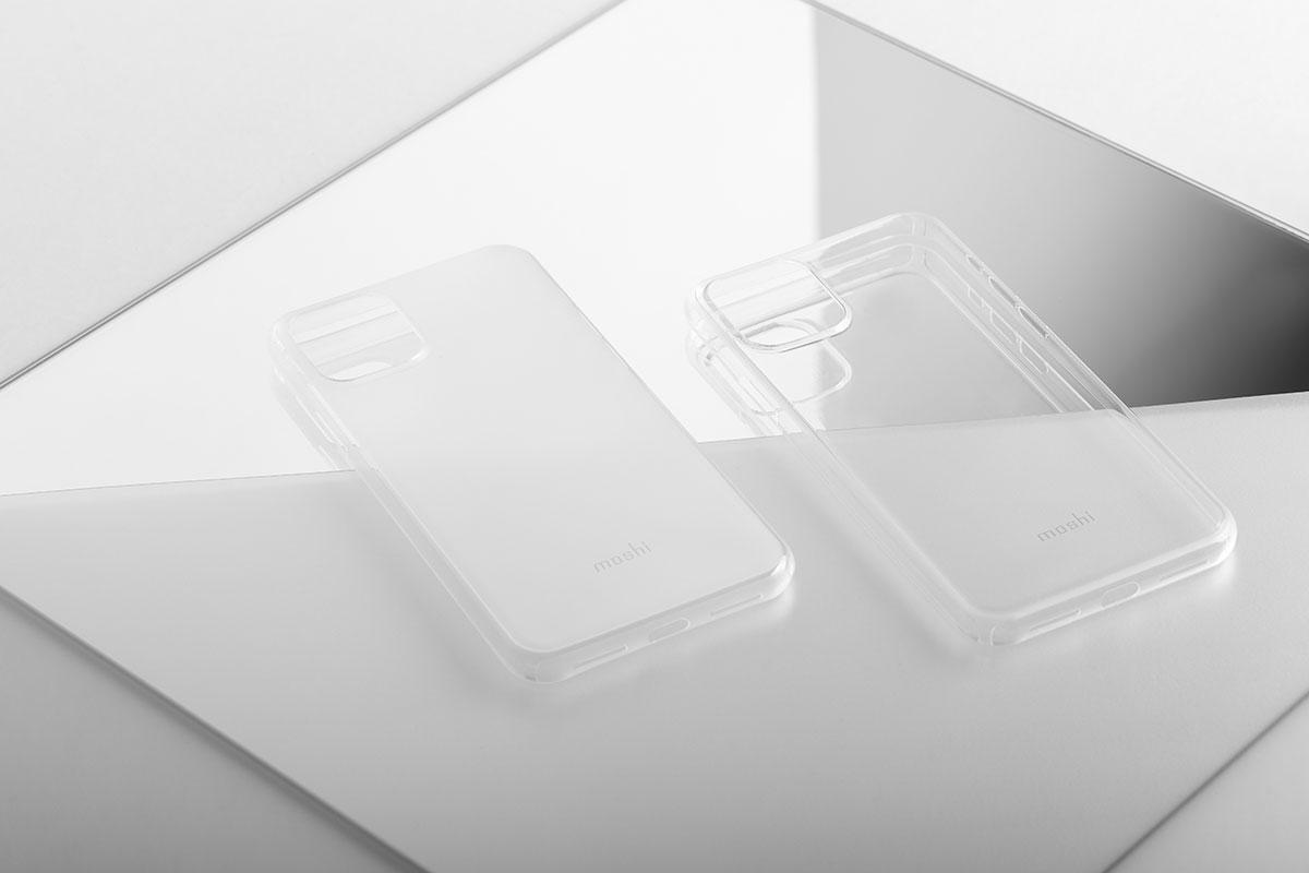 SuperSkin 裸感超薄保护外壳有晶透、滢雾两种款式。