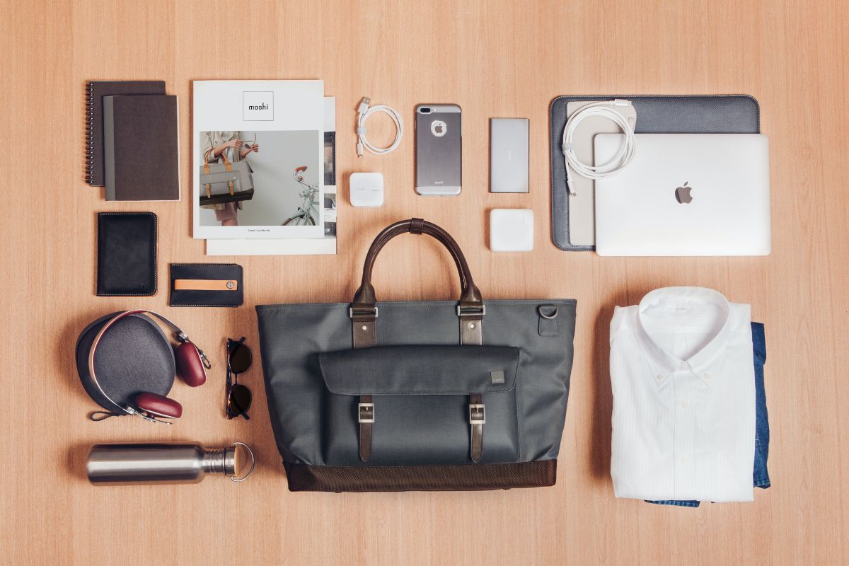 """A dedicated, cushioned compartment accommodates laptops up to 16"""" and provides maximum protection during transport. Additional compartments allow you to stash your smartphone, portable battery, and cables."""