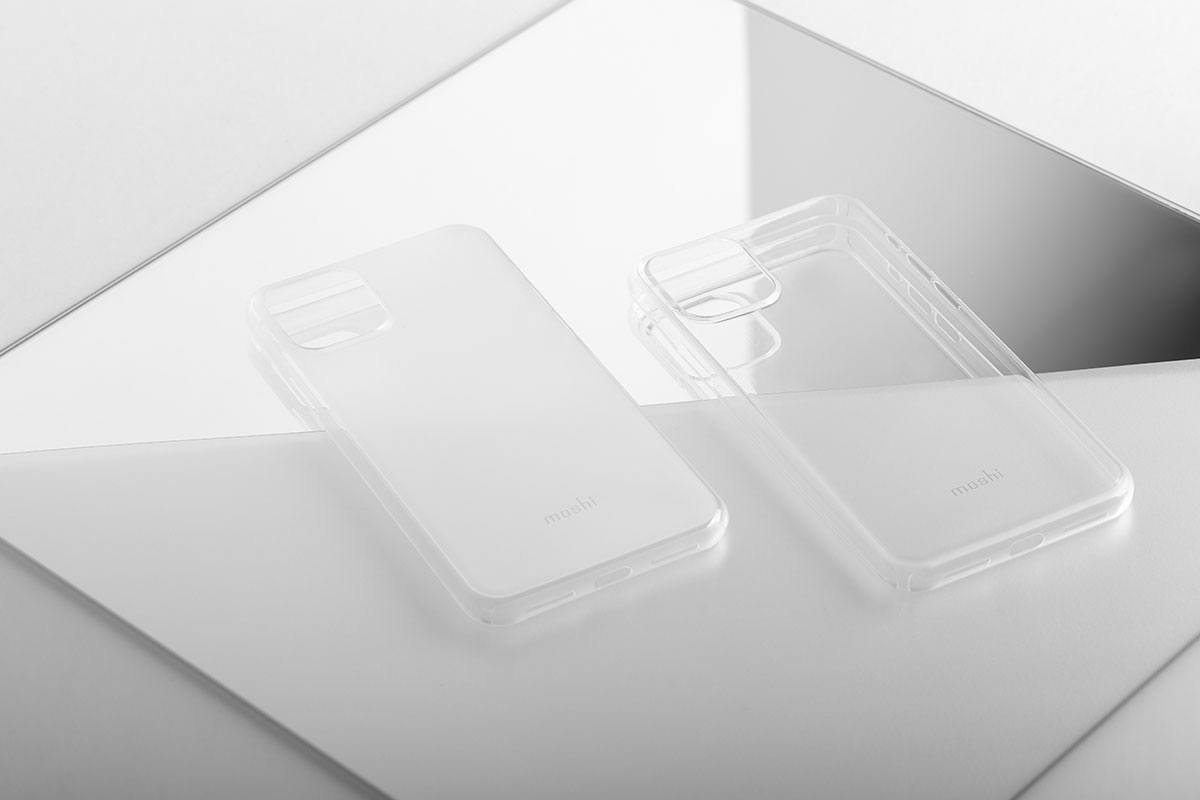 SuperSkin доступен в двух покрытиях — прозрачном и матовом.