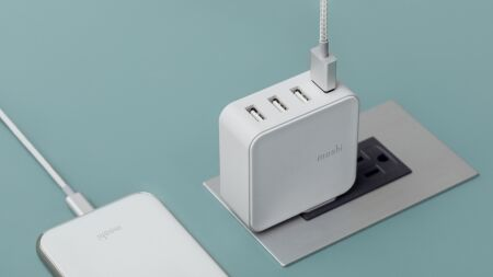 View larger image of: ProGeo 4-Port USB Travel Charger (35 W)-3-thumbnail