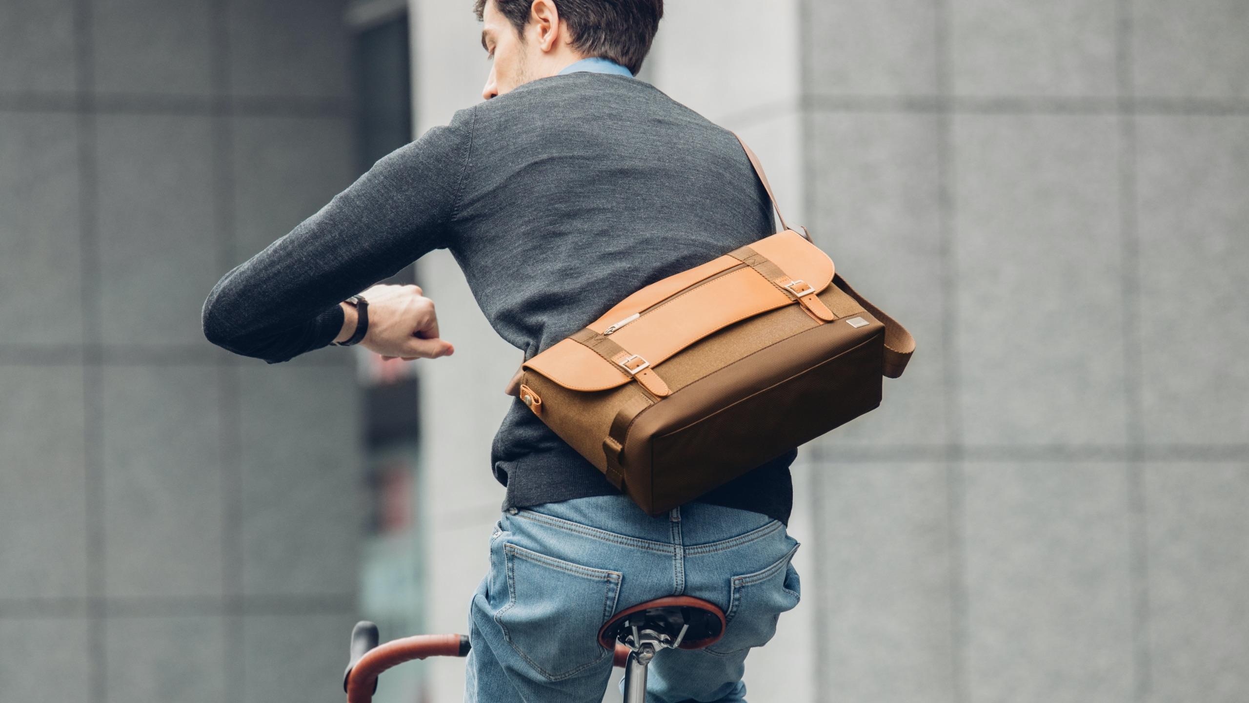 Carta Compact Messenger Bag-image