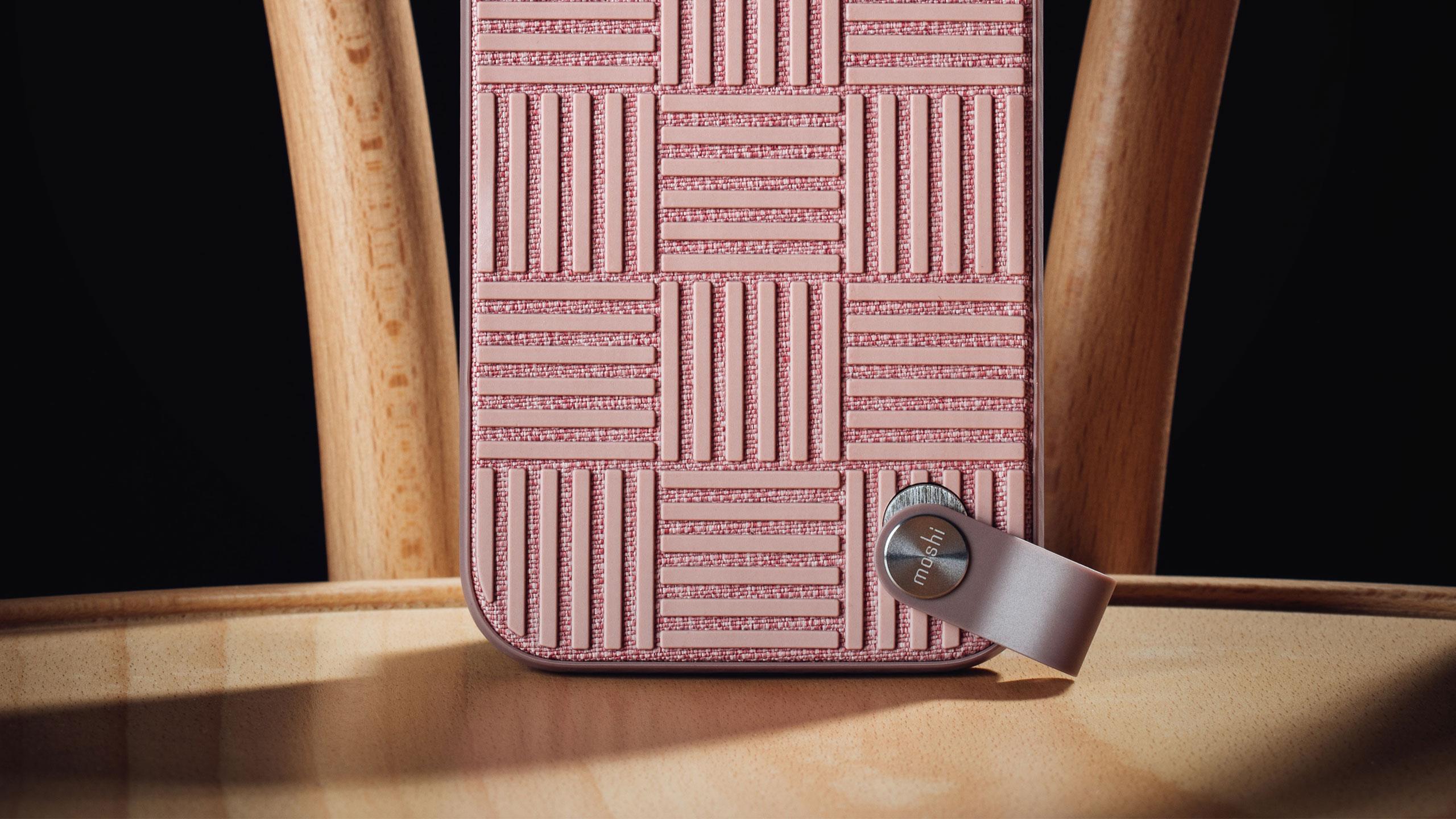 Altra Slim Hardshell Case With Strap-image