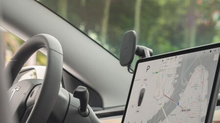 View larger image of: SnapTo Universal Car Mount with Wireless Charging-3-thumbnail