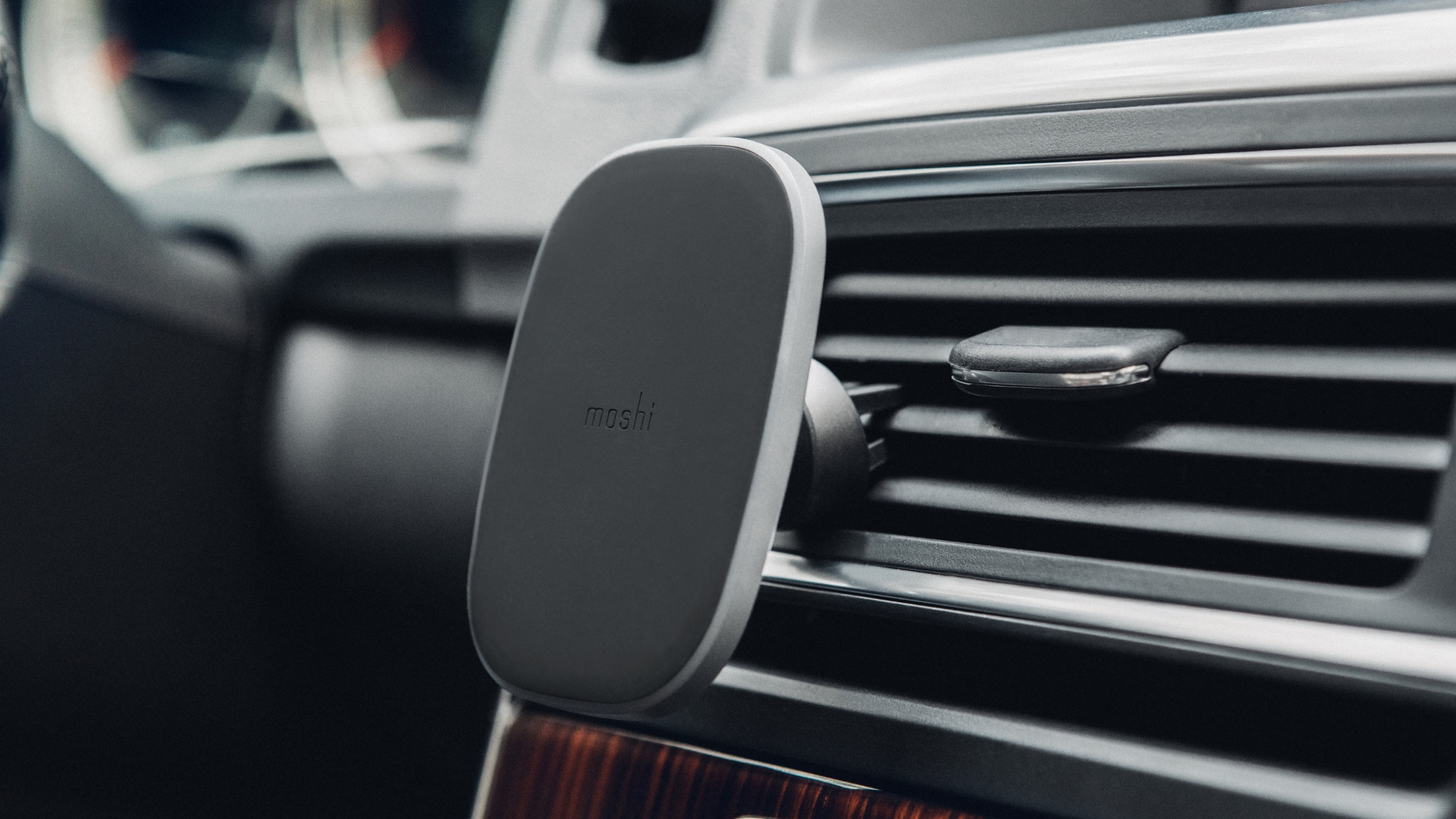 SnapTo™ Magnetic Car Mount-image