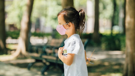 View larger image of: OmniGuard™ Kids Mask with 3 replaceable Nanohedron™ filters-4-thumbnail