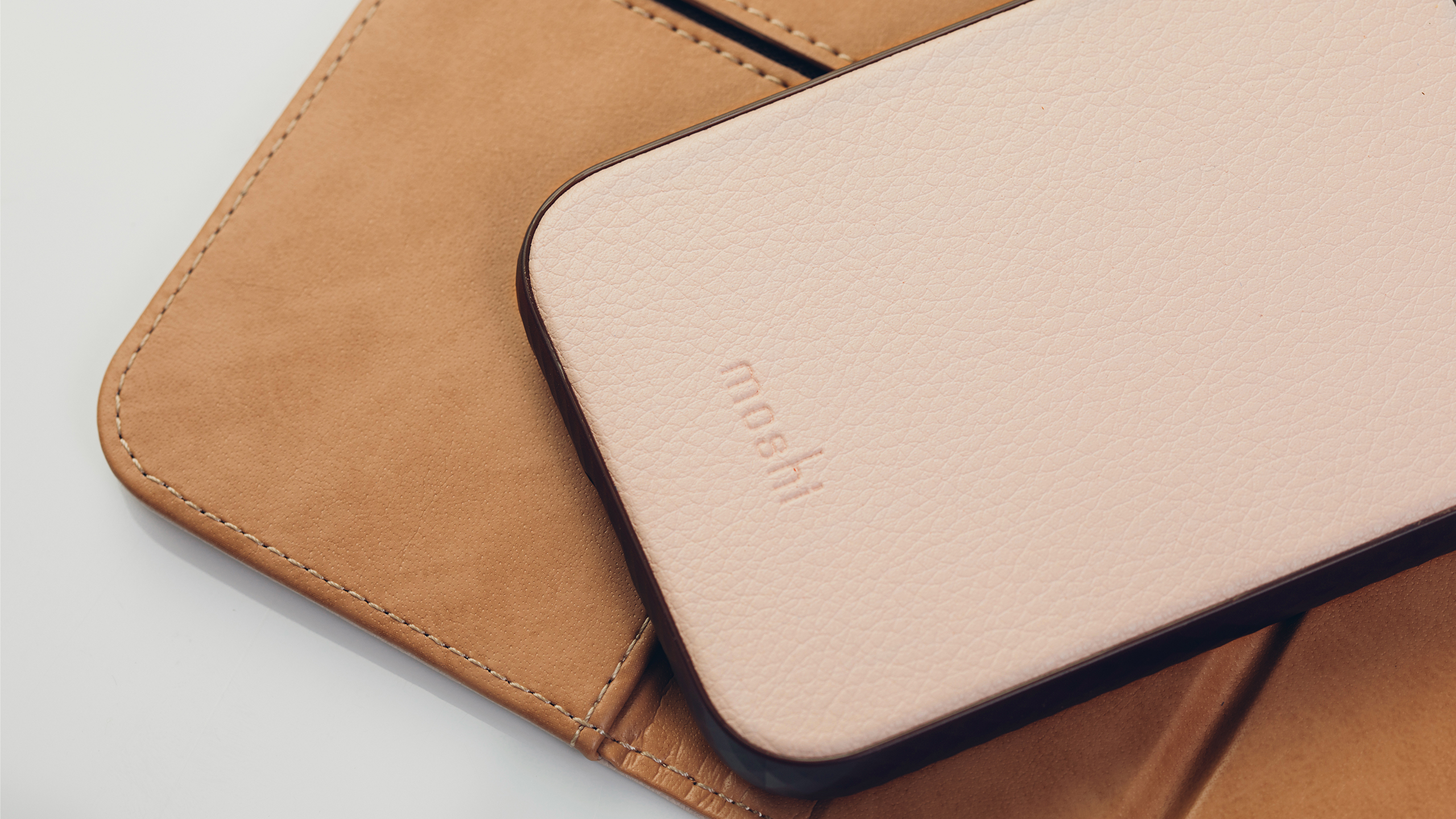 Overture Case with Detachable Magnetic Wallet-image